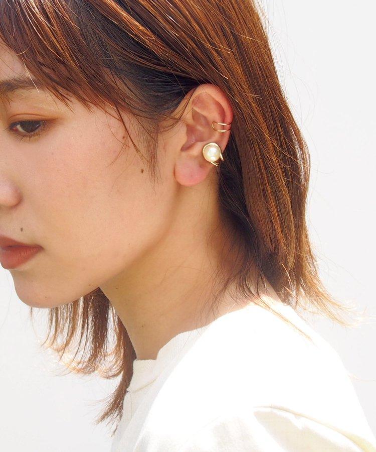 Pearl set ear cuff