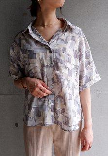 ニュアンスカラーシャツ