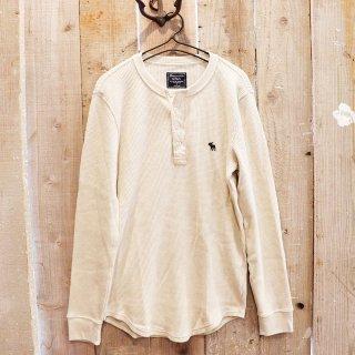 Abercrombie & Fitch(アバクロンビーアンドフィッチ):長袖ワッフルヘンリーTシャツ/CREAM