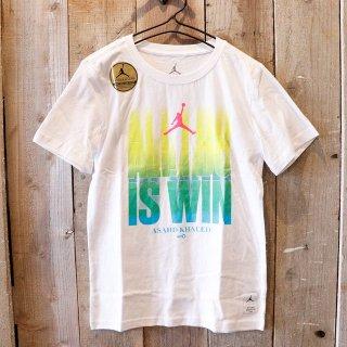 <img class='new_mark_img1' src='https://img.shop-pro.jp/img/new/icons20.gif' style='border:none;display:inline;margin:0px;padding:0px;width:auto;' />【セール】【ボーイズ】Nike Jordan Brand(ナイキ ジョーダンブランド):Asahd Khaked ジャンプマンTシャツ