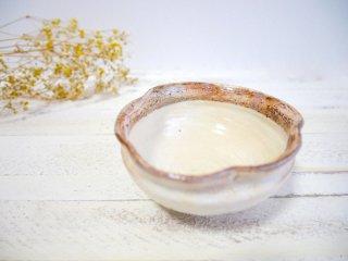 たわみ輪花豆鉢 白ミニ 古谷製陶所