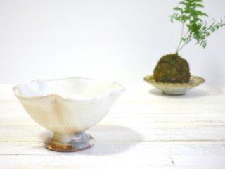 花びら高台小鉢 白ミニ 古谷製陶所