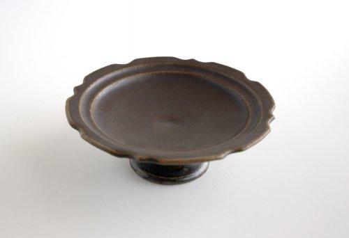 サビ釉 彫刻コンポート皿(18cm) 古谷製陶所