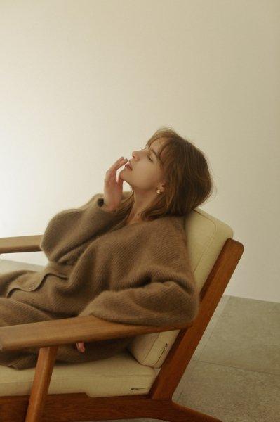 AMYER - Fluffy Knit V-neck Cardigan(Brown)
