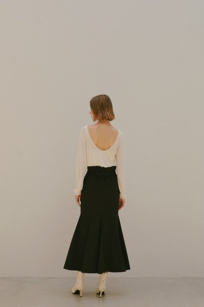 AMYER - Back Open Shear Top(Off White)