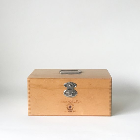 WOODEN FIRST AID BOX