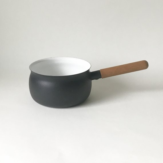 FINEL ENAMEL HANDLE PAN