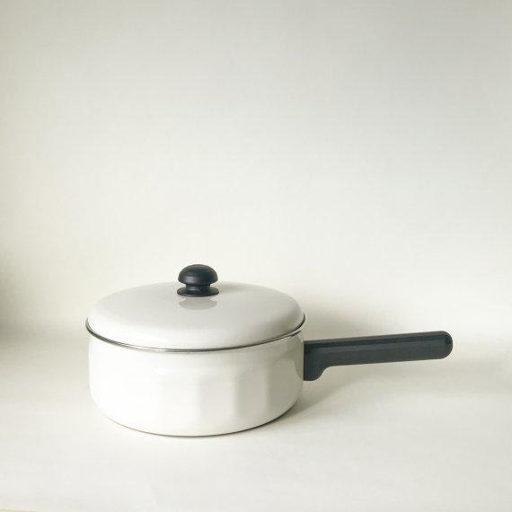 VISIT HANDLE PAN