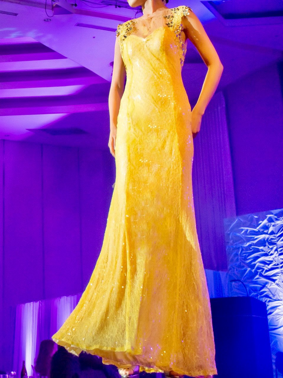 ミモザイエローシャイニーレース&スパンコールマーメイドドレス (Pre-owned)