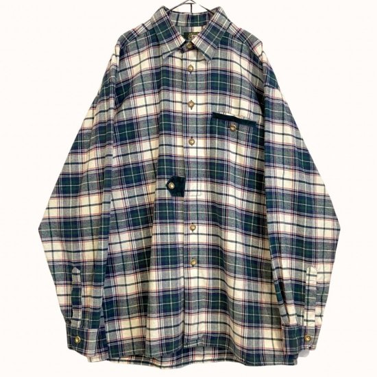 green × white color flannel shirt