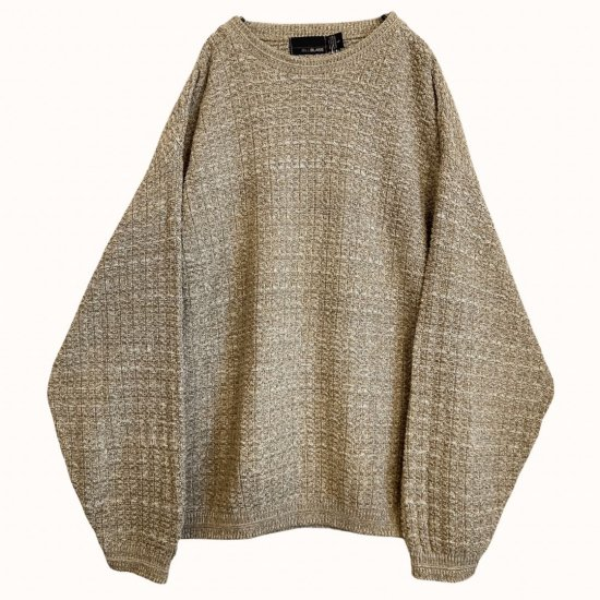 warm coloring low-gage loose knit