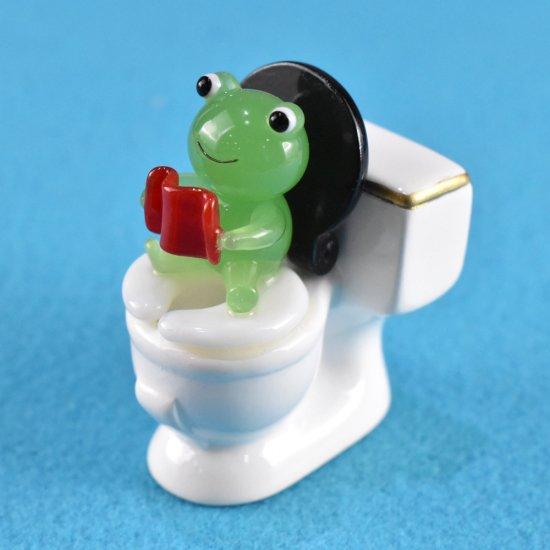【ガラス細工】トイレで長居カエル
