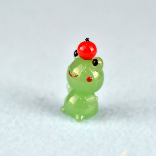 【ガラス細工】リンゴのっけカエル