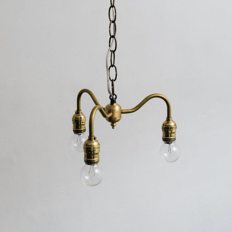 OPL004B<br> 3 BULBS LIGHT / 真鍮3灯照明