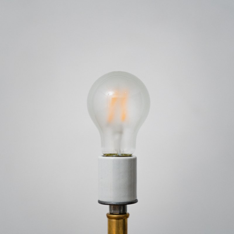 LED BULB E26 4W - FROST<br>LED電球 E26 4W フロスト