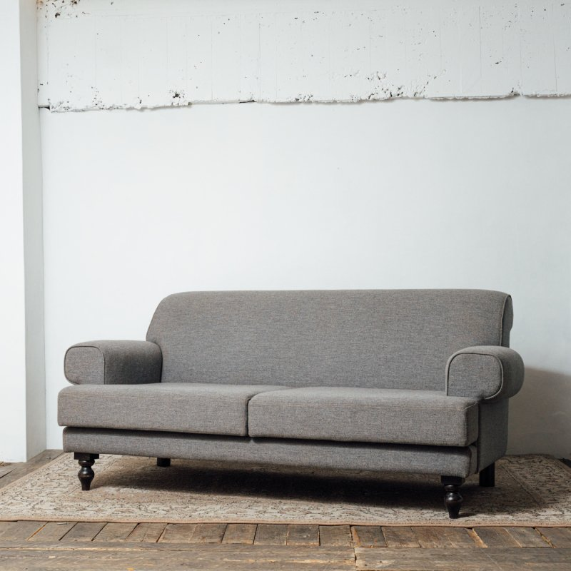 <img class='new_mark_img1' src='https://img.shop-pro.jp/img/new/icons20.gif' style='border:none;display:inline;margin:0px;padding:0px;width:auto;' />REPRODUCTION 2.5 SEAT SOFA<br>リプロダクション 2.5人掛ソファ