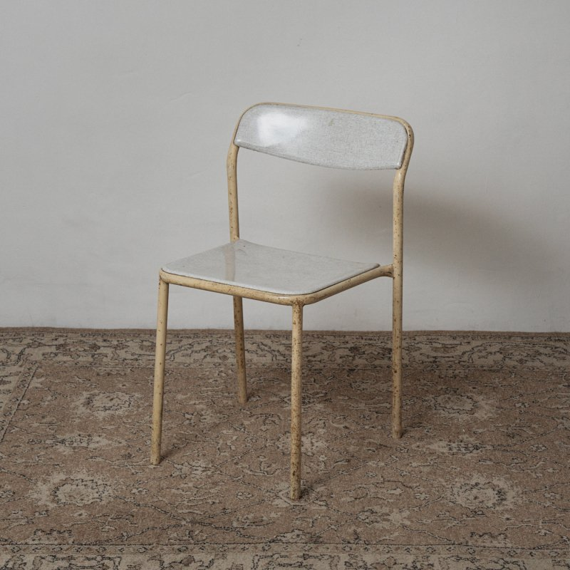 <img class='new_mark_img1' src='https://img.shop-pro.jp/img/new/icons20.gif' style='border:none;display:inline;margin:0px;padding:0px;width:auto;' />STACKING CHAIR <br> ヴィンテージ スタッキングチェア B