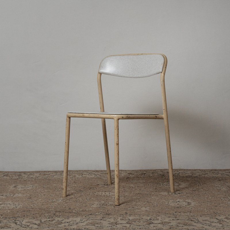 <img class='new_mark_img1' src='https://img.shop-pro.jp/img/new/icons20.gif' style='border:none;display:inline;margin:0px;padding:0px;width:auto;' />STACKING CHAIR <br> ヴィンテージ スタッキングチェア D