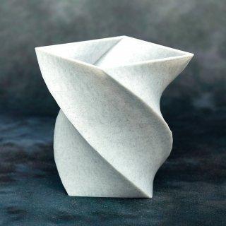 【石材風】「401D」 ねじれた四角形の器