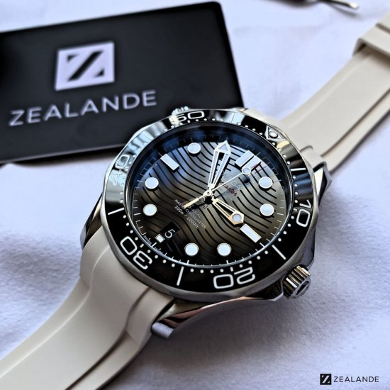 ラバーベルト:オメガシーマスター OMEGA Seamaster Diver 300m Co-Axial 42mm Black Ceramic用
