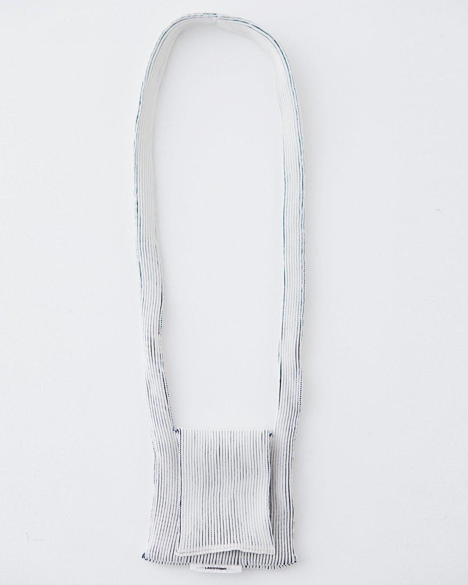 LAST FRAME  フラップバッグ 白 x ダークグリーン - ¥17,600
