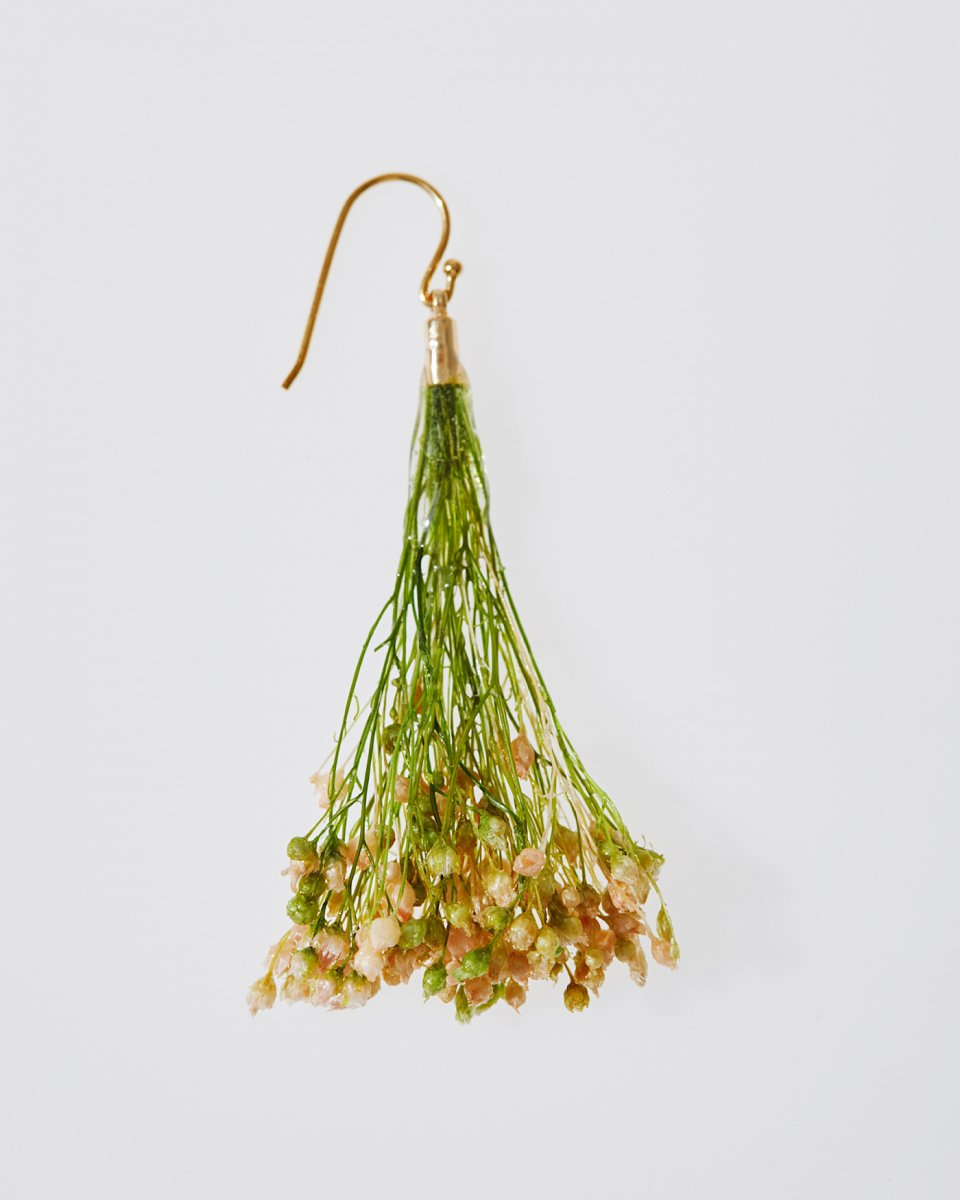 「かすみ草の花束」ピアス - ¥3,900