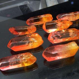 【1粒売り】水晶原石 ポイント レッドオレンジ M cry_pt_M_ro