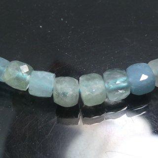 天然石 アクアマリン キューブカット 4mm aqu04001cu