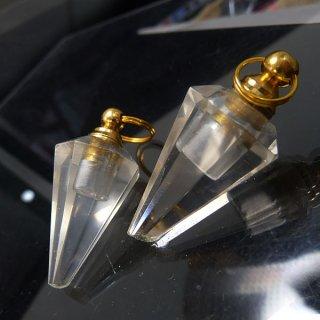 【わけあり】天然水晶 ペンデュラム型 香水ボトル cry_top_pen_w