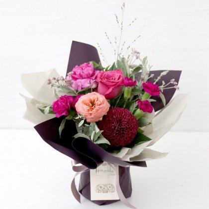 【秋の花贈り 敬老の日にもおすすめ】 立つ花束   ローズピンク M