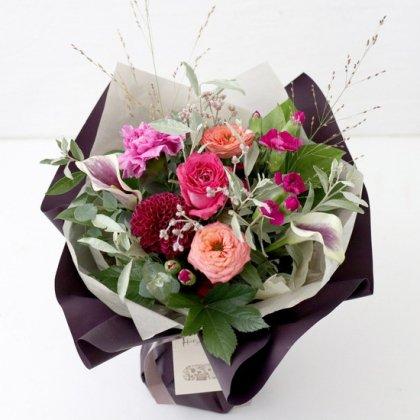 【秋の花贈り 敬老の日にもおすすめ】 立つ花束   ローズピンク L