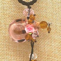 【SALE】 小さなガラス瓶のアロマペンダント  M7  ピンク(メール便可)長さ調節可能・香りを胸元に♪