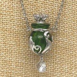【メール便・送料無料】小さなガラス瓶のアロマペンダント   PSK1 コルク栓は王冠風 瓶飾りにもキラキララインストーン付!ワードローブや気分に合わせて香りを胸元に。可愛いガラスのアクセント♪