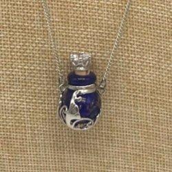 【メール便・送料無料】小さなガラス瓶のアロマペンダント  PSK4  コルク栓は王冠風 キラキララインストーン付!ワードローブや気分に合わせて香りを胸元に。可愛いガラスのアクセント♪