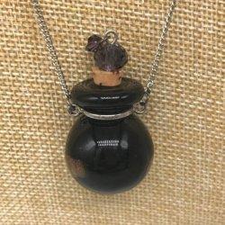 【メール便・送料無料】小さなガラス瓶のアロマペンダント PSK13 ブラック2種 ワードローブや気分に合わせて香りを胸元に。可愛いガラスのアクセント♪