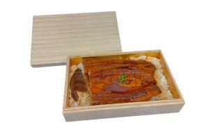 木具輪オリジナル商品 高級桐箱<br>寿司8貫・ちらし・うなぎ容器<br>金台紙付 外寸206×134×H53mm