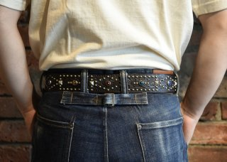 <img class='new_mark_img1' src='https://img.shop-pro.jp/img/new/icons25.gif' style='border:none;display:inline;margin:0px;padding:0px;width:auto;' />RAWHIDE STUDDED & JEWELED BELT Lot 119