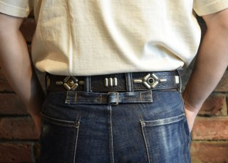 <img class='new_mark_img1' src='https://img.shop-pro.jp/img/new/icons25.gif' style='border:none;display:inline;margin:0px;padding:0px;width:auto;' />RAWHIDE STUDDED & JEWELED BELT Lot 108