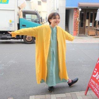 suzuki takayukiさん 黄色のリネンコートワンピース