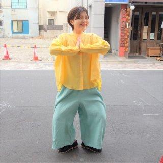suzuki takayukiさん 黄色のブラウス1