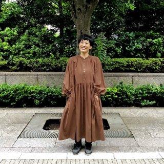 <img class='new_mark_img1' src='https://img.shop-pro.jp/img/new/icons60.gif' style='border:none;display:inline;margin:0px;padding:0px;width:auto;' />suzuki takayukiさん pullover dress walnut