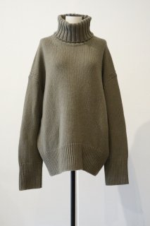 <img class='new_mark_img1' src='https://img.shop-pro.jp/img/new/icons2.gif' style='border:none;display:inline;margin:0px;padding:0px;width:auto;' />GALERIE VIE  FINE WOOL TURTULE NECK PULLOVER