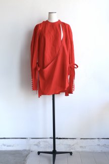 <img class='new_mark_img1' src='https://img.shop-pro.jp/img/new/icons5.gif' style='border:none;display:inline;margin:0px;padding:0px;width:auto;' />JUN MIKAMI ANGARKHA BLOUSE RED