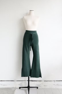<img class='new_mark_img1' src='https://img.shop-pro.jp/img/new/icons5.gif' style='border:none;display:inline;margin:0px;padding:0px;width:auto;' />CURRENTAGE KNIT FLARE PANTS GREEN