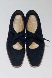 <img class='new_mark_img1' src='https://img.shop-pro.jp/img/new/icons5.gif' style='border:none;display:inline;margin:0px;padding:0px;width:auto;' />KATIM PORTBELLO BLACK SUEDE