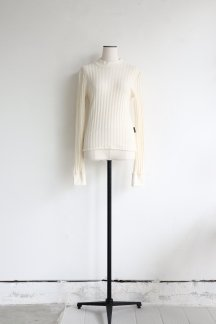 <img class='new_mark_img1' src='https://img.shop-pro.jp/img/new/icons5.gif' style='border:none;display:inline;margin:0px;padding:0px;width:auto;' />PHOTOCOPIEU TEODORA LONG SLEEVE PULLOVER WHITE