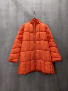 <img class='new_mark_img1' src='https://img.shop-pro.jp/img/new/icons1.gif' style='border:none;display:inline;margin:0px;padding:0px;width:auto;' />SEMICOUTURE QUILTED-DOWN JACKET