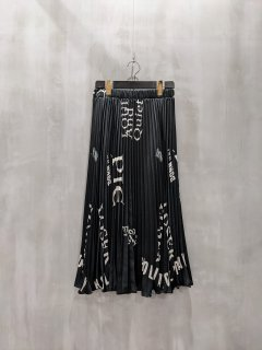 <img class='new_mark_img1' src='https://img.shop-pro.jp/img/new/icons1.gif' style='border:none;display:inline;margin:0px;padding:0px;width:auto;' />THOMAS MAGPIE logo pleated skirt