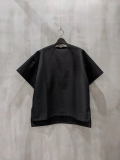 <img class='new_mark_img1' src='https://img.shop-pro.jp/img/new/icons1.gif' style='border:none;display:inline;margin:0px;padding:0px;width:auto;' />FORM OF INTEREST. Now black oversized T-shirt