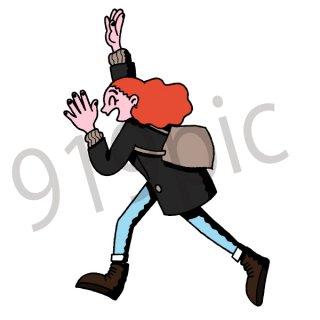笑顔で走る女性 イラスト(アウトドア、お出かけ、待ち合わせ、笑顔、スマイル、走る)